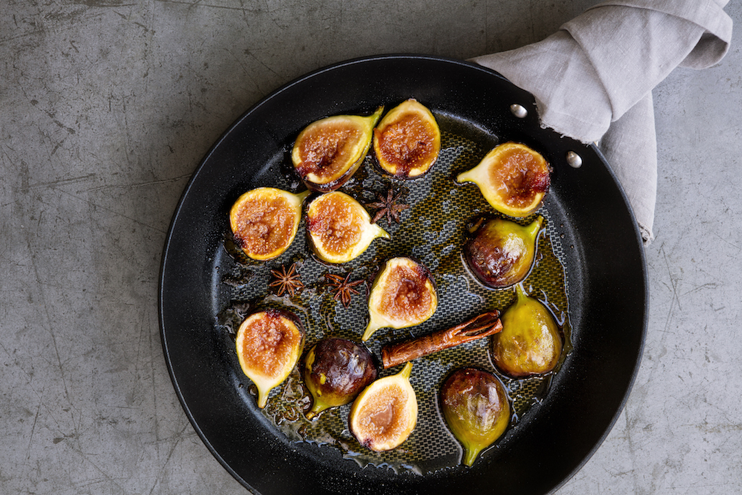 Healthy autumn eating + maple syrup baked figs autumn dessert recipe