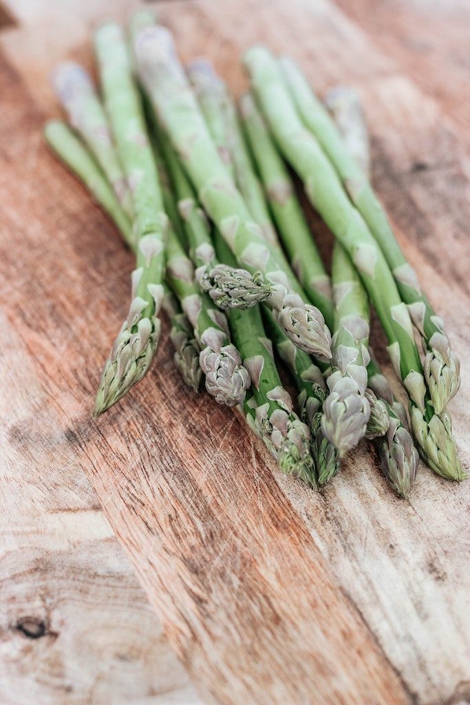 Foods to eat this spring for gut health + foods for allergies & hay fever